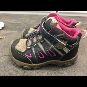 Keen Girl's Black/Gray/Pink Hiking Shoes Size 10